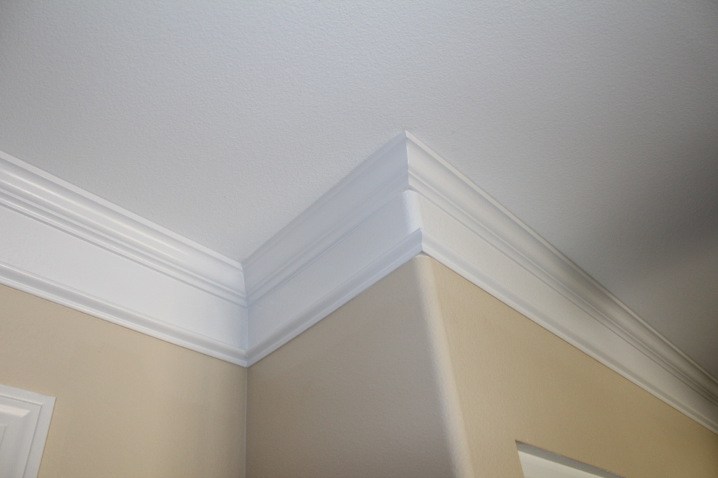 Crown Moulding. Great Crown Molding On Vaulted Ceiling