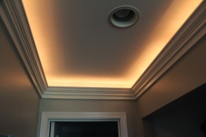 Lighted Crown with Recessed Outlet